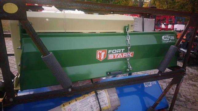 Glebogryzarka ciągnikowa z bocznym napędem