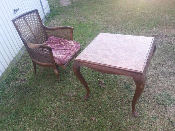 Stół z fotelem