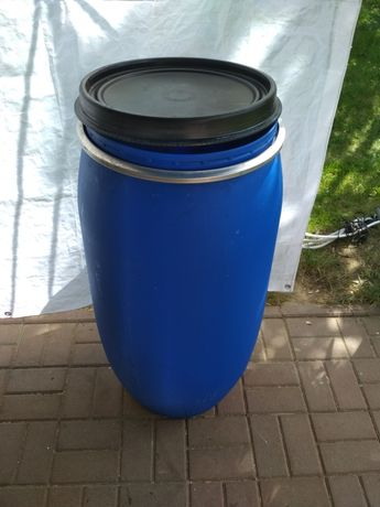 Beczki plastikowe 160l litrów z deklem na działkę deszczówkę budowę