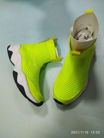 Стильные кроссовки тм Zara 31 размер