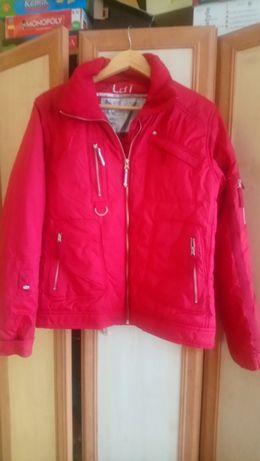 Czerwona kurtka przeciwdeszczowa rozmiar L