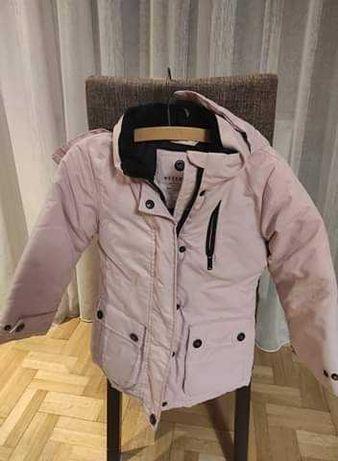 Różowa kurtka dziecięca zimowa Reserved