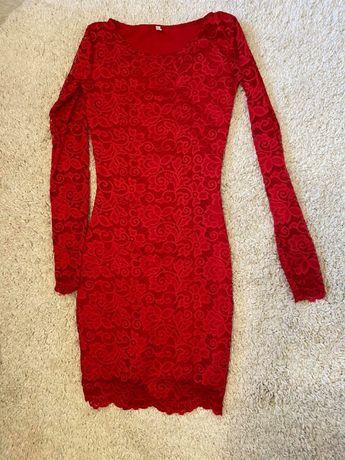 красное платье гипюровое