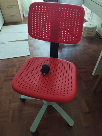 Cadeira de secretária de criança Ikea