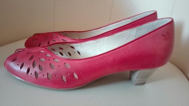 Czółenka buty damskie Caprice rozmiar 39