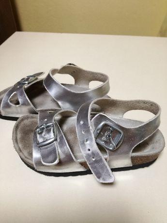 Sandałki dla dziewczynki piękne srebrne r. 25