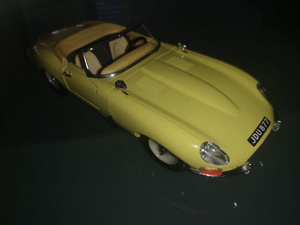 Jaguar e-type Cabriolet 1961 1:18