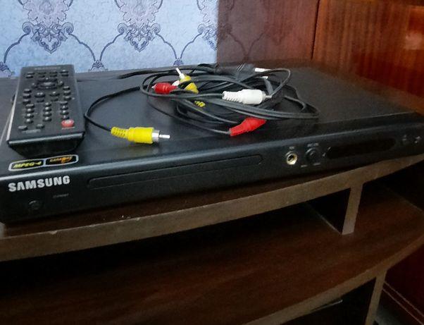Проигрыватель DVD-плеер Samsung