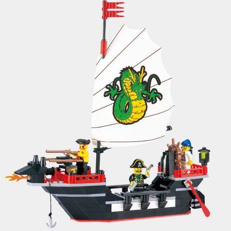 Compatível com LEGO - Navio Pirata - NOVO - 211 Peças