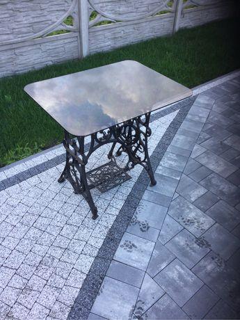Singer-stolik z szklanym blatem