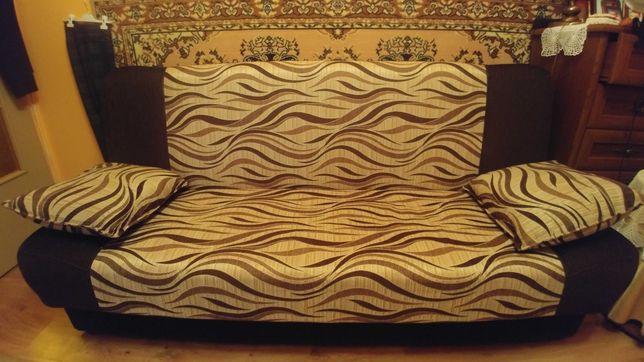 Wersalka rozkładana + dwie poduszki, kanapa