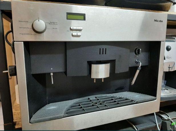 Кофемашина встраемая автоматическая Miele CVA 620