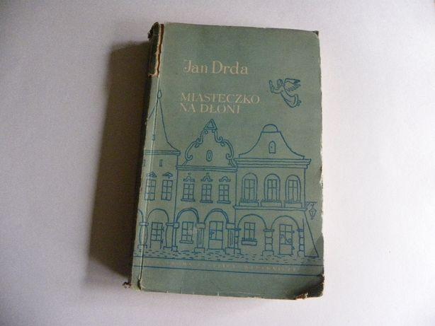 Książka - miasteczko na dłoni - Jan Drda