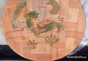 2 Pratos antigos em bambu com logótipos chinês