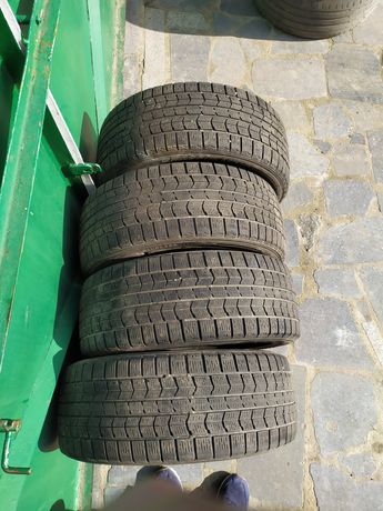 Резина Dunlop 215/55 R17 зима 4 шт