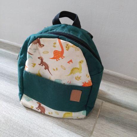 Детский рюкзачок маленький с динозаврами зеленый