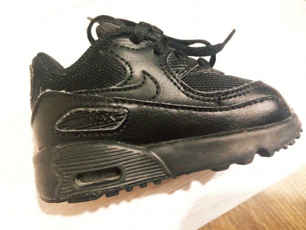Nike Air Max 90 для самых маленьких
