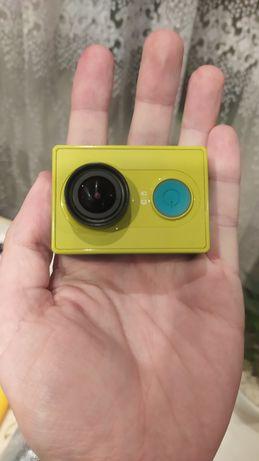 Продам екшин камеру сяомі! Повний комплект!