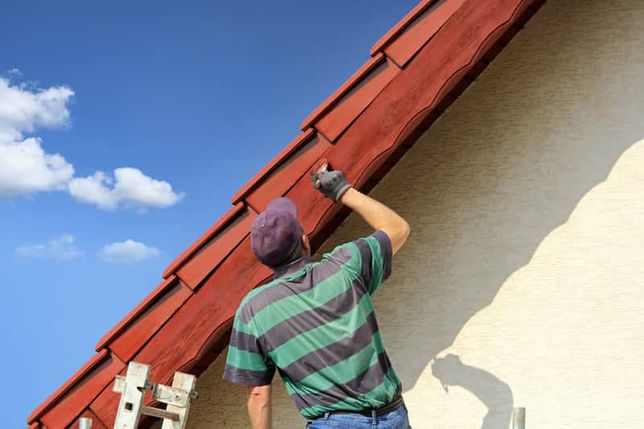 Malowanie dachów i elewacji.