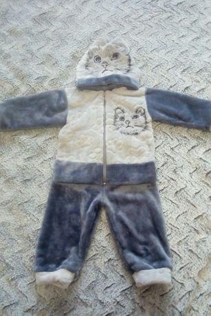 Очень тёплый мягенький костюм с котиком на 1-2 года, как новый