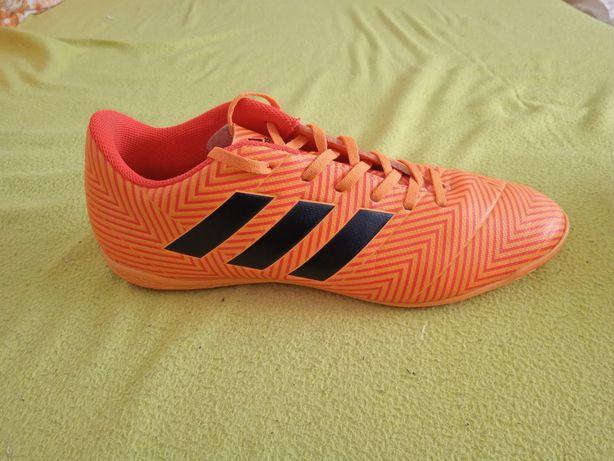 Sapatilhas Adidas Nemeziz Futsal 45 1/3