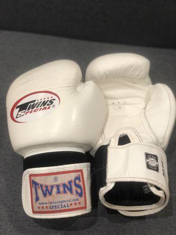 Перчатки для бокса Twins белые 14 oz