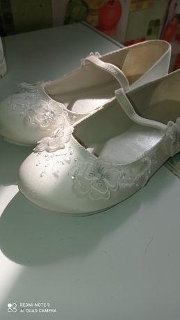 Фирменные туфельки для девочки