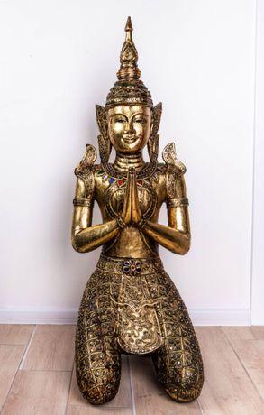 статуя тайского Будды