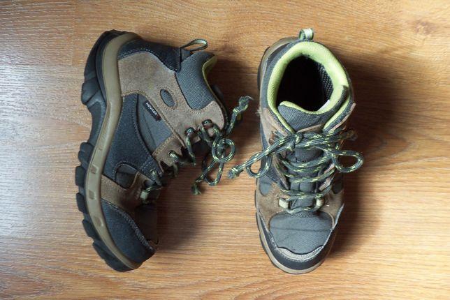 Спортивные треккинговые ботинки на мальчика 8-9 лет, размер 35.