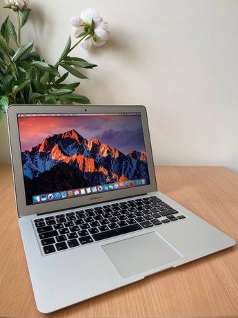 Заголовок: MacBook Air 13 2015 з оригінальними аксесуарами