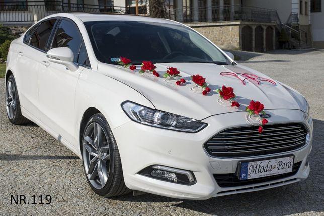 Śliczna czerwona dekoracja na samochód.Przybranie/stroik/ozdoba Ślub
