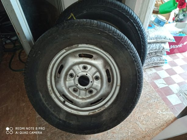 Opony kola 235 65R 16C Continental