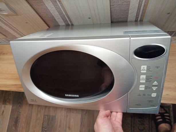 Микроволновую печь Samsung