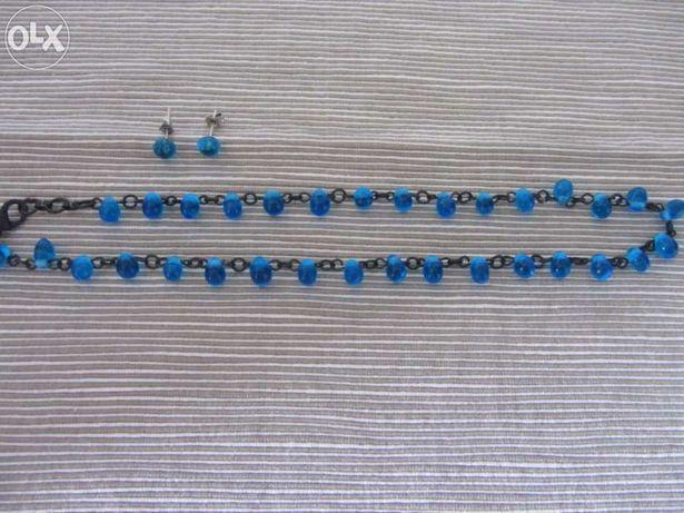 Colar e brincos azul turquesa. Novos.