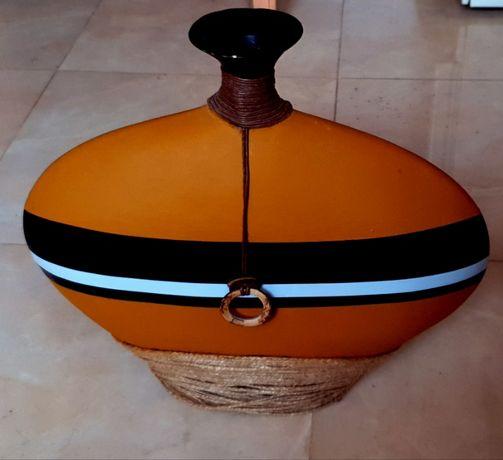Kolekcjonerski wazon afrykański