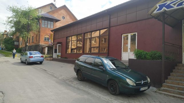 Стекольная мастерская район пр.Петровского. Прирезка стекла и зеркал