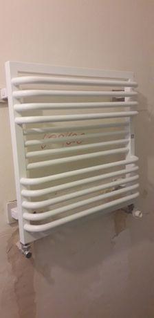 Grzejnik łazienkowy biały (nieużywany) 60x60