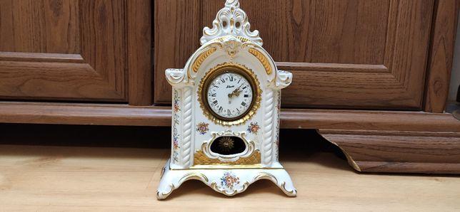 Niespotykany mały, zegar kominkowy ,biała porcelana