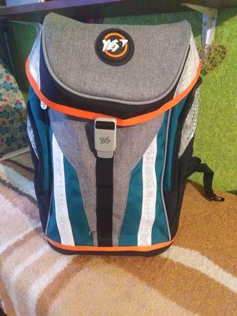 Полукаркасный школьный рюкзак