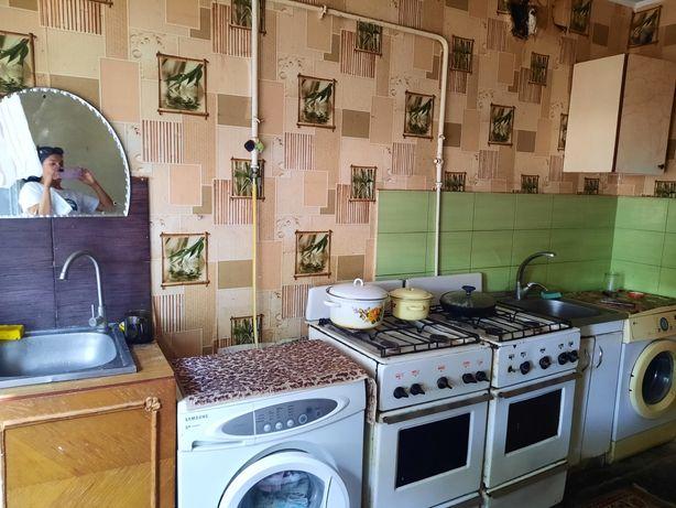 Продам комнату в коммуналке, Вал, 2этаж, 12 кв м, 9000$