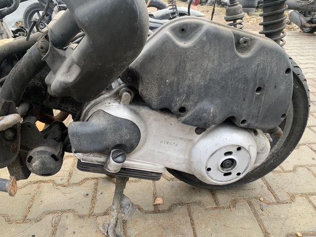 Silnik Piaggio x8 125