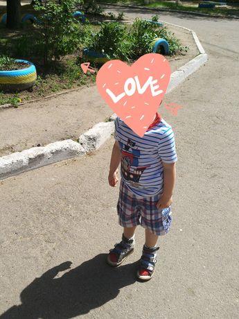 Футболки  и шорты на мальчика 2-4 года