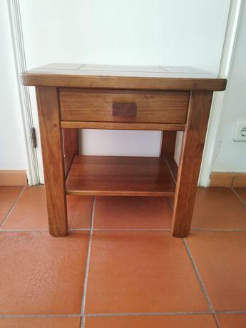 3 mesas de cabeceira Saint Claire
