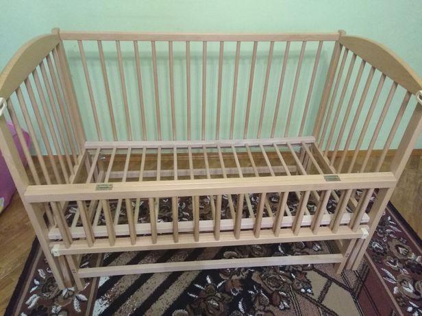 Продам дитяче дерев'яне ліжечко