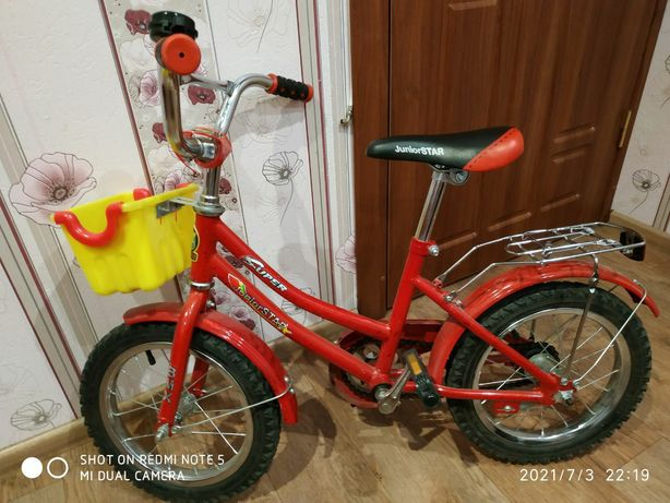Дитячий велосипед в хорошому стані