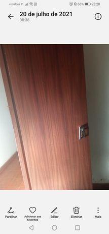 8 Portas de madeira