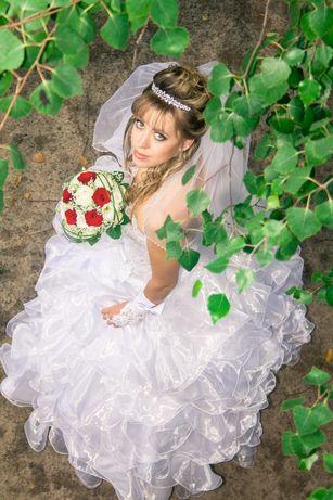 Продам свадебное платье 42-46размер.