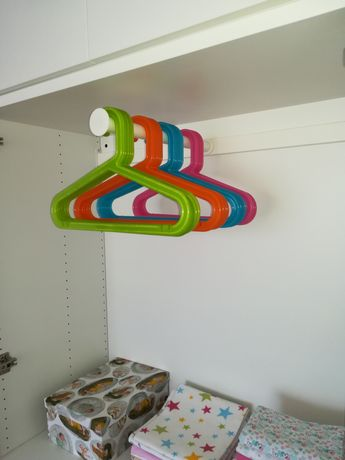 Drążek wysuwany HJALPA ze sklepu IKEA do systemu PLATSA np. dla dzieci