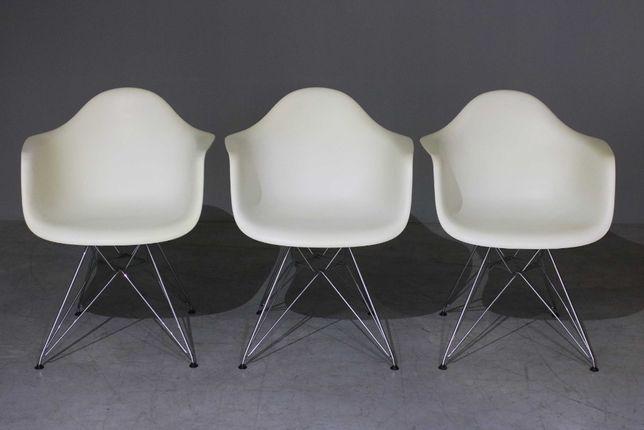 Cadeirões Charles Eames modelo DAR| Chair design| Retro Vintage