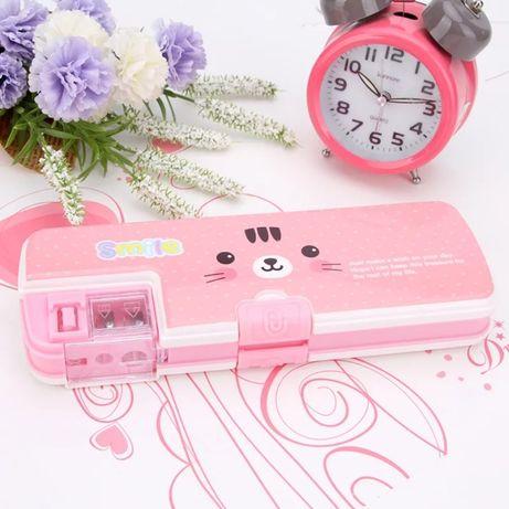 Пластиковый школьный двухсторонний пенал розовый с точилками бокс